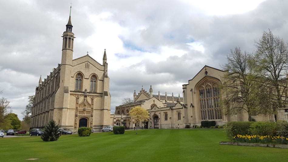 Cheltenham_College_Chapel_and_library
